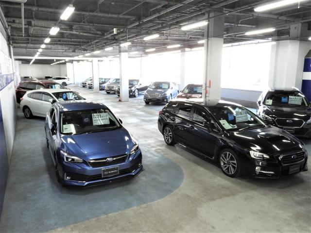 雨でも夜でもお車がご覧頂ける全天候型室内展示場!