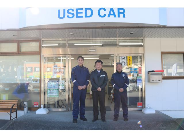 認証工場完備、サービスフロントもございますので法定点検、車検等もご相談下さい。