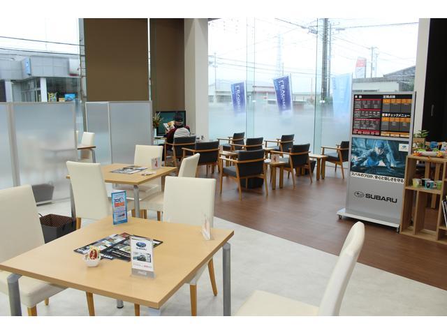 広々としたショールーム☆商談スペースにはBOX席をご用意しております。ゆっくりお話が