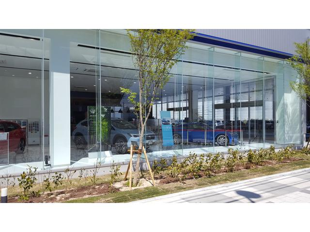 カースポット西宮国道2号店は、兵庫県の南部国道2号沿いにあり、新車店舗と同敷地内にございます。