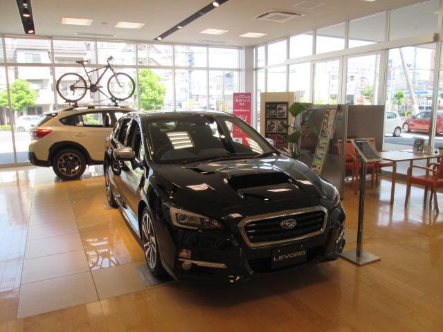 新車店舗ショールームとの併設しており、NEWモデルが見て体感頂けます。
