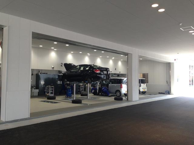 整備PIT完備しており、専門プロスタッフがお車のメンテナンス、トラブルに対応致します。