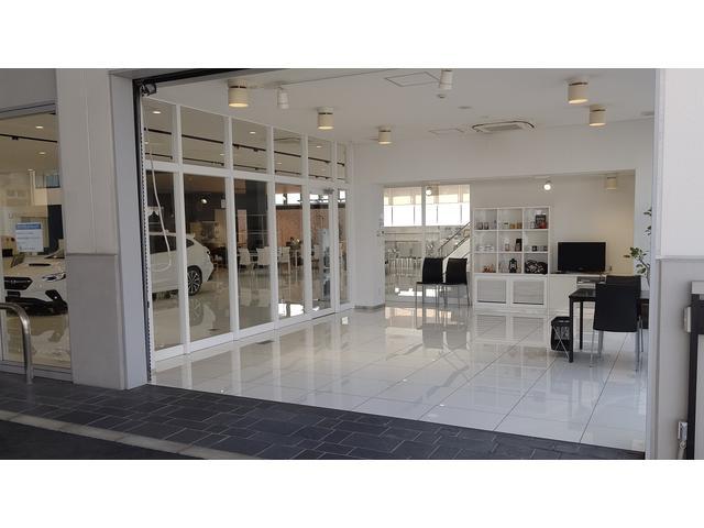 全車納車前に、除菌・抗菌コ−トを実施。