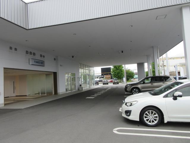 屋根付きの駐車場をご用意しております。雨の日ご来場も安心ですね☆